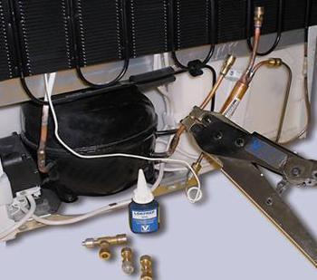 冰箱维修图片